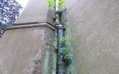Damp on drainpipe
